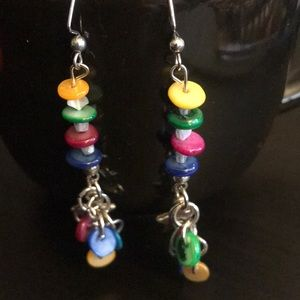 Jewelry - 🌸Mother of Pearl shell dangle earrings